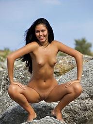 Morose Beauty - Naturally Pulchritudinous Amateur Nudes