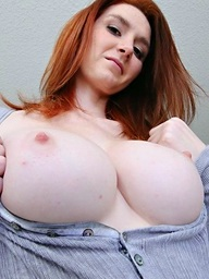 , Very hawt busty ginger..