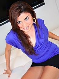 , beautiful latin chick..